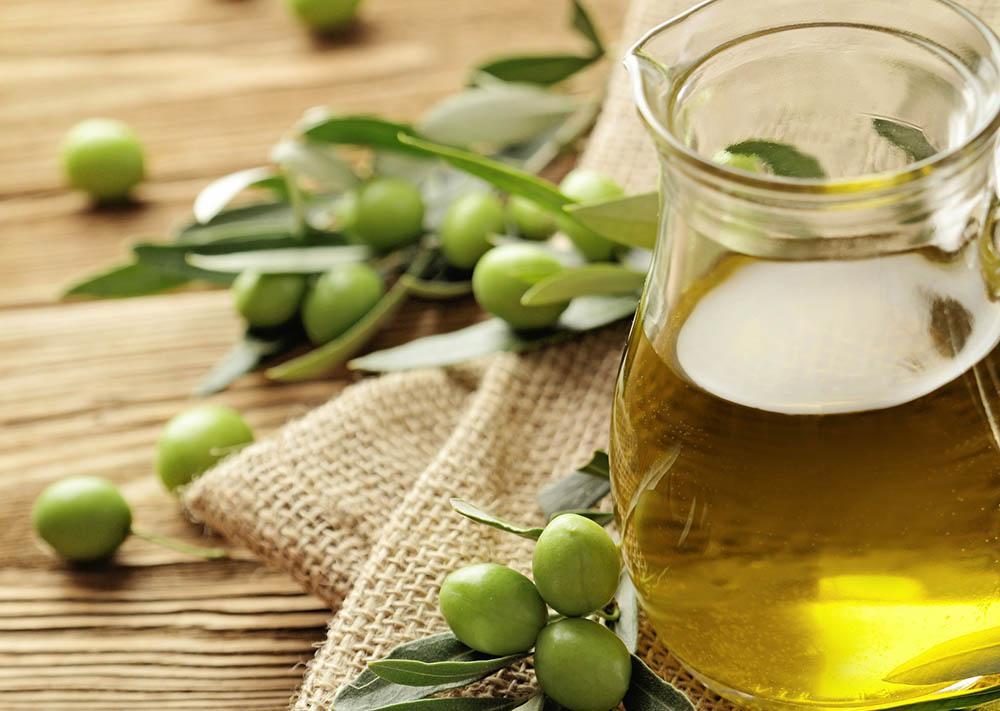 Oliwa z oliwek – właściwości zdrowotne i wpływ na śluzówkę gardła